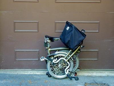 Les sacs Brompton pour l'avant ET/OU pour l'arrière ... P1070419