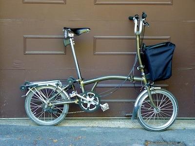 Les sacs Brompton pour l'avant ET/OU pour l'arrière ... P1070420