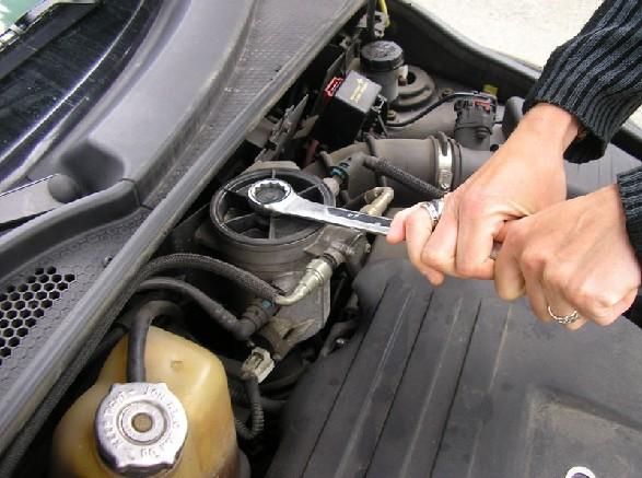 "Pt Cruiser 2.2 L ""Diesel"" : Echange filtre à gazoil 312"