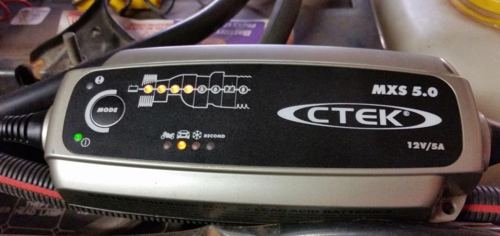 CTEK 5.00 Battery Charger Ctek_c10