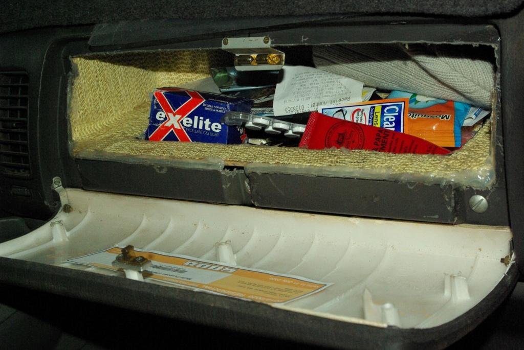 GU Nissan Patrol second glovebox. Nissan18