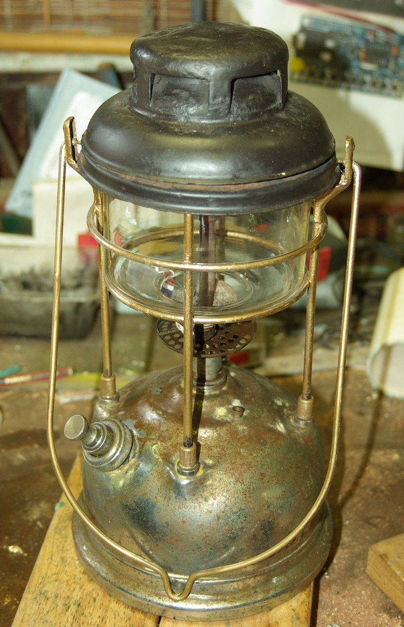 Tilley kerosene pressure lamp Tilley11