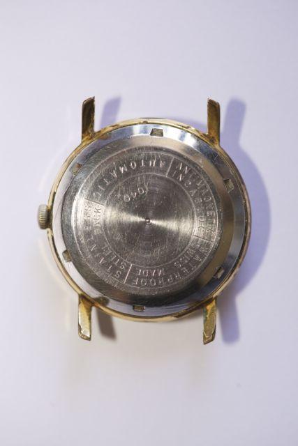 Enicar - [Postez ICI les demandes d'IDENTIFICATION et RENSEIGNEMENTS de vos montres] - Page 20 Sinex410