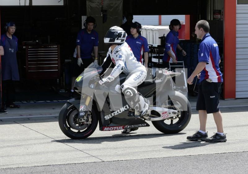 suzuki motoGP 2014 Suzuki13