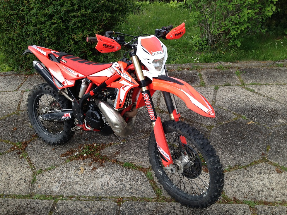 300 xtrainer 2015 suspensions showa Droite10