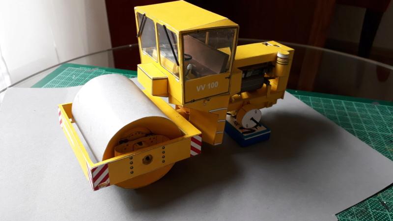 Kranwagen mit Tieflader u. Straßenwalze,1:32 geb. v. Henning 20190820