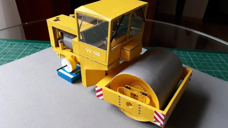Kranwagen mit Tieflader u. Straßenwalze,1:32 geb. v. Henning 20190821