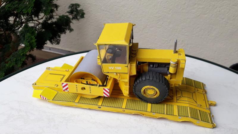 Kranwagen mit Tieflader u. Straßenwalze,1:32 geb. v. Henning 20190843