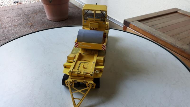 Kranwagen mit Tieflader u. Straßenwalze,1:32 geb. v. Henning 20190861