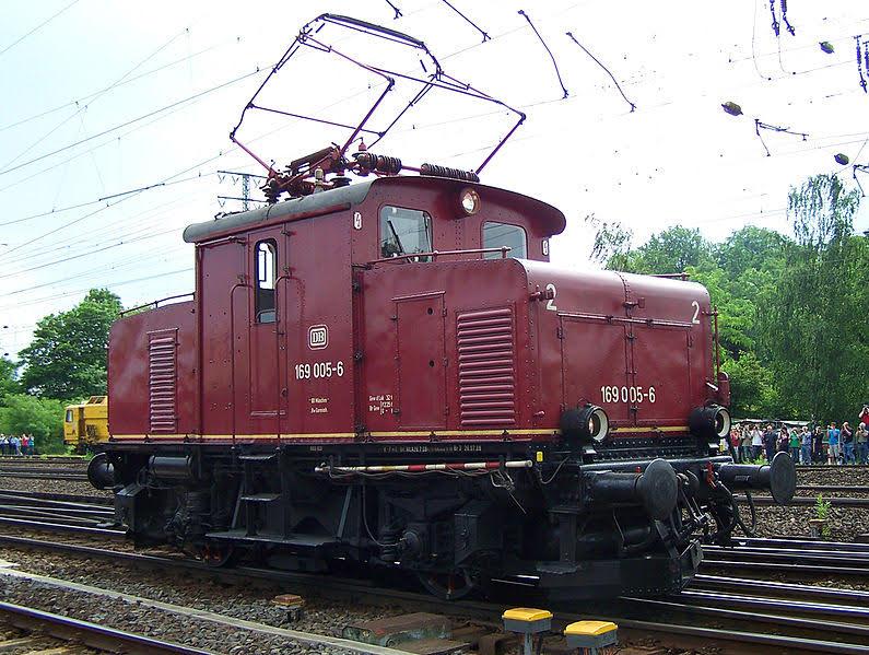 locomotora electrica E69 en G/IIm  795px-10