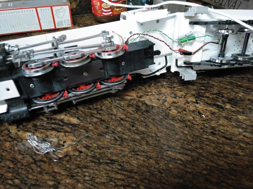 tender 3 eixos per a locomotora vapor  - Página 2 Img_2456