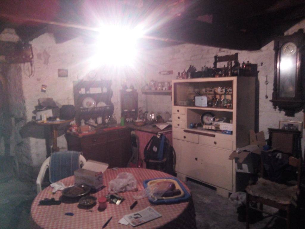 Napad u Supetru ipak navijacke prirode?!Jedan od napadnutih sezonaca strastveni zvezdas iz Vukovara 'Vukovar navija za Zvezdu' - Page 7 15605416