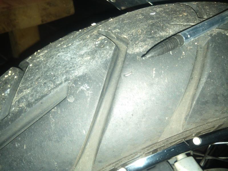 Dimensions de joints pour vidange (et avis sur agrafe dans pneu!!!) Img_2010