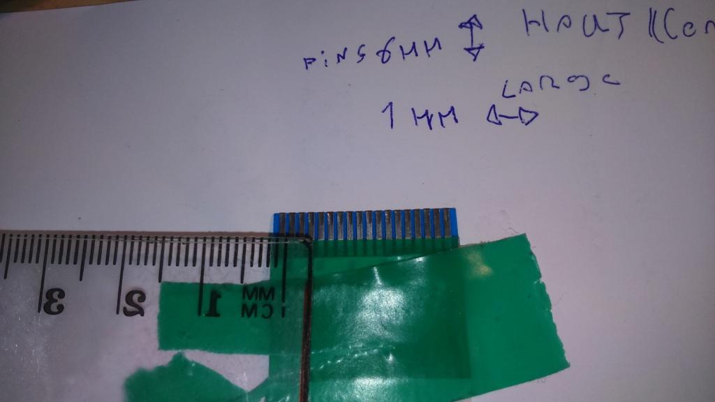 (trouver) Nappe 18 pins pour Neo Geo CD 2 top loading Dsc_0051