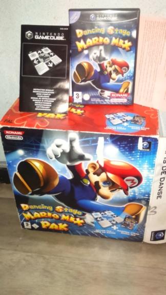 est pack big box game cube dancing stage mario mix complet en français et doa ultimate xbodu cancre  Dsc_1046