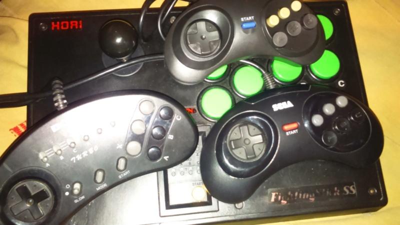 Manettes Megadrive 6 boutons  Dsc_1131