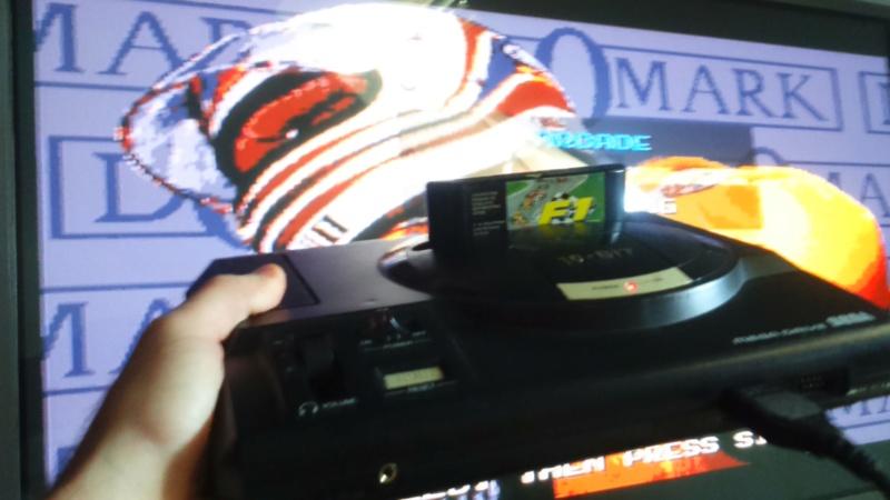 méga drive 1 pal plus 2 manettes 4 jeux en loose en bonus cancre  Dsc_1317