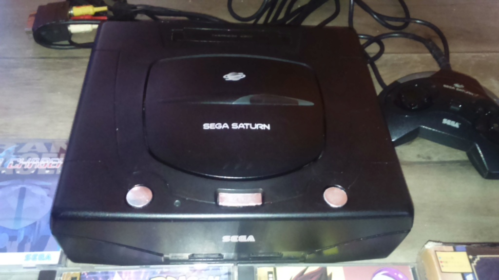( vds /ech ) console saturn pal model 2 mk plus démo et 2  classics  jeux japonais  85 e  out  Dsc_1748