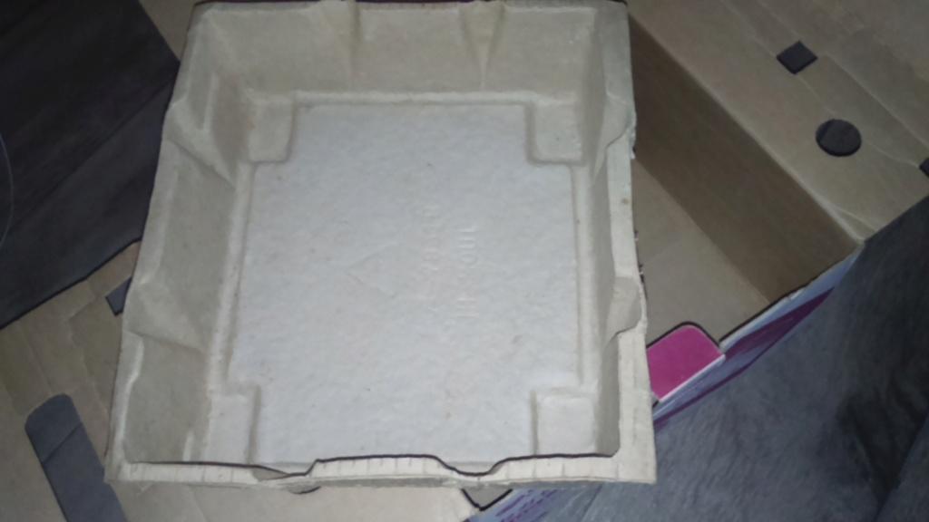 ech inserts boite console saturn 2 jap , notice sega nin sony xcrote livre de préco ect du cancre  Dsc_1861