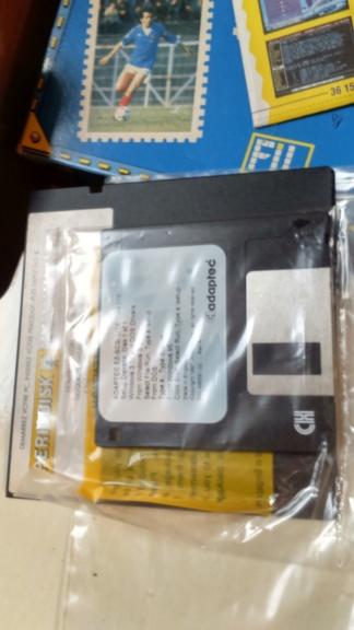 est 3 jeux big box ibm disquette pc5  Dsc_2072