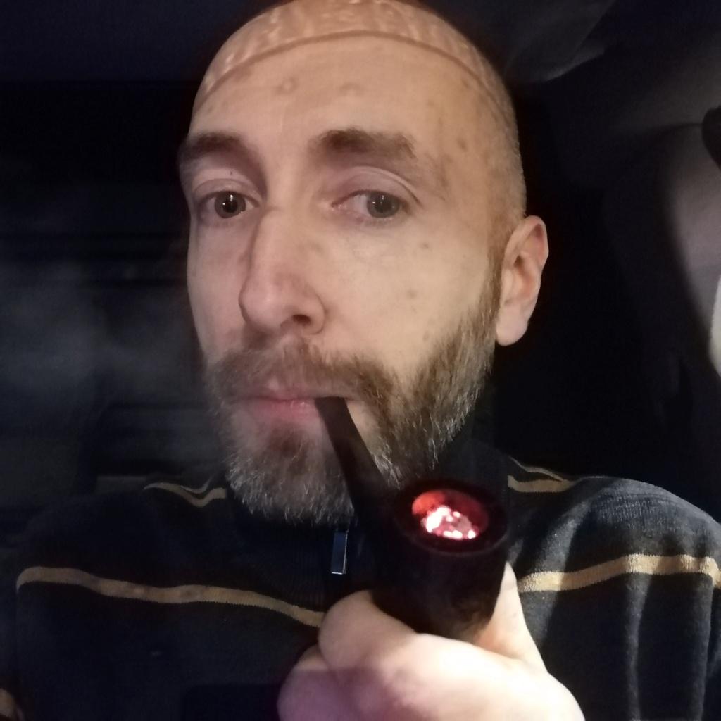 De tabac une once, des cendres et puis je pionce (onze décembre)  Img_2364