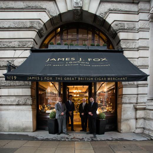 Civettes à Londres ?  James-10