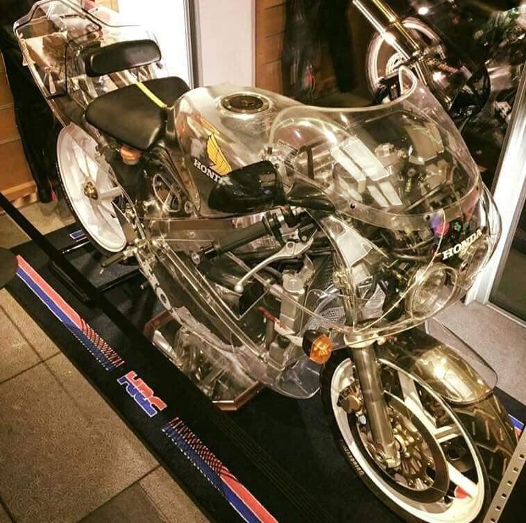 Κέρωμα μοτοσυκλέτας Fb_im135