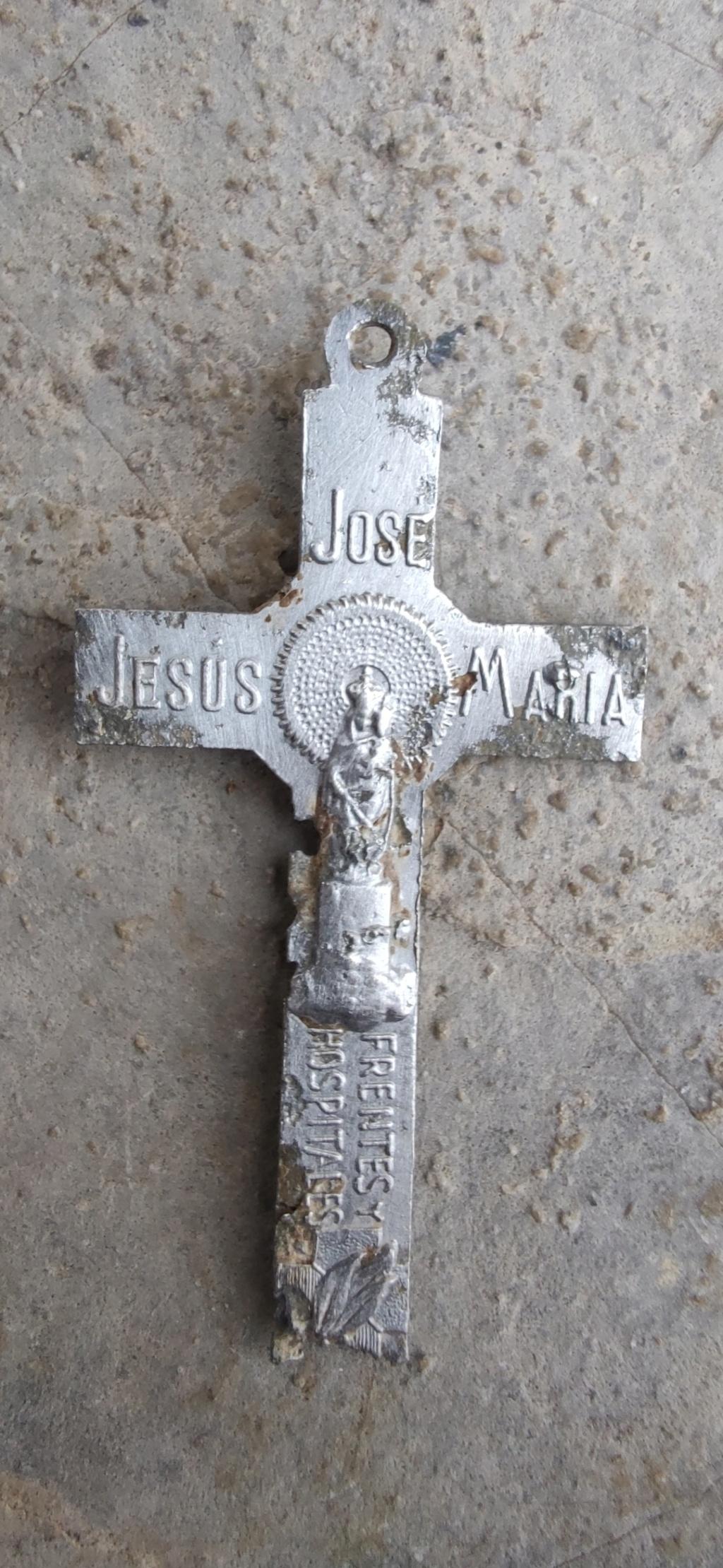 Crucifijo aluminio 214