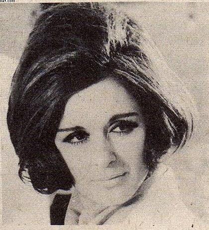 خبر صحفي : استعداد سعاد حسني للعمل مع المخرج أنور الشناوي 1971 م 1275