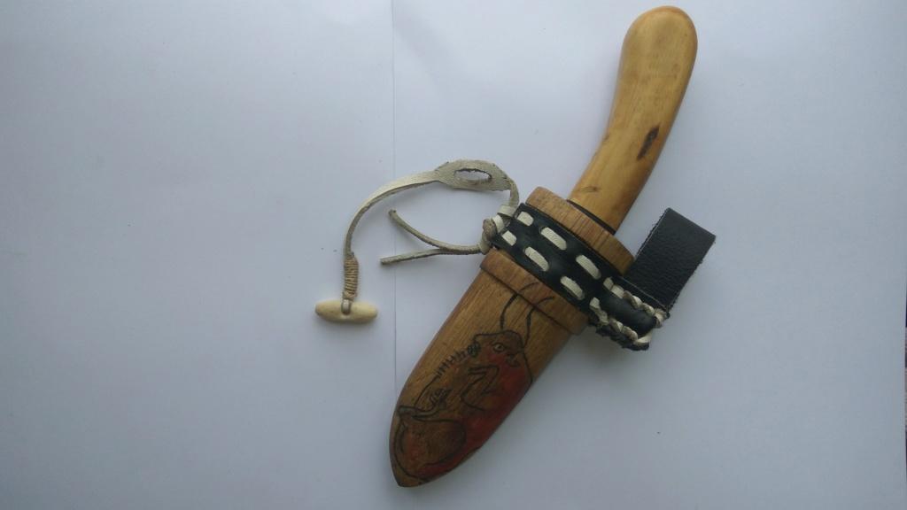 Cuchillo con funda de madera Img_2021