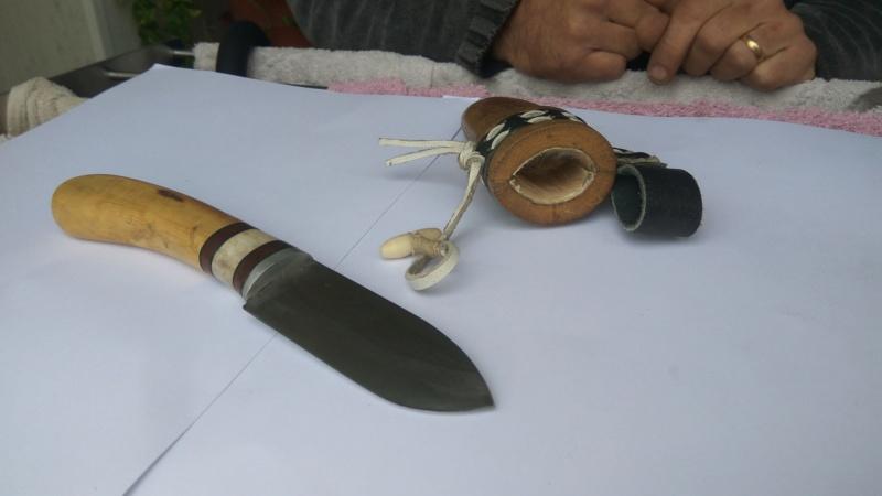 Cuchillo con funda de madera Img_2023