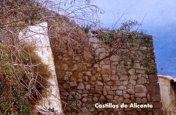 EN EL  CASTILLO DE ALTEA 38975510