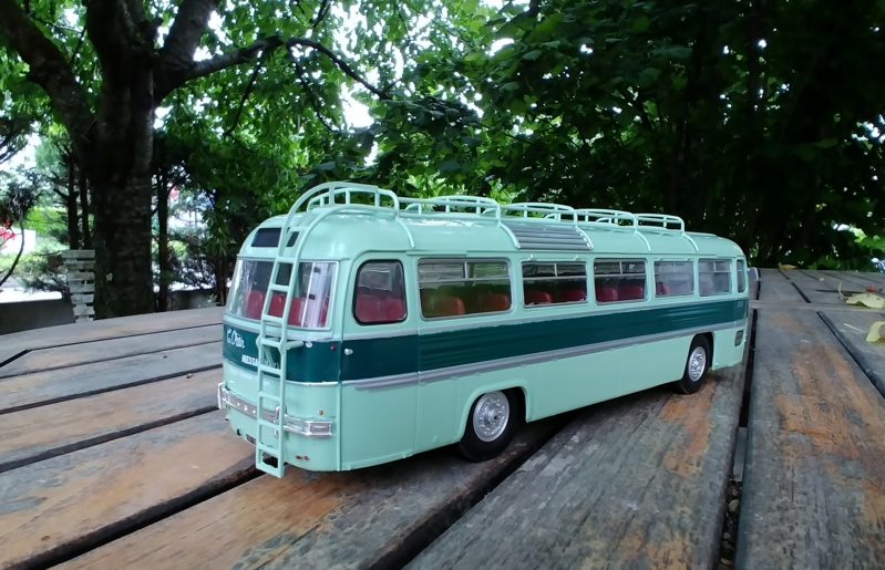 Les cars et bus miniatures - Page 13 Ang_or10