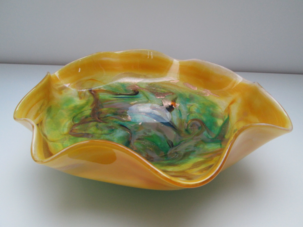 LARGE ART GLITTERY GLASS BOWL SIGNED FOZCKUY OR JOZCKUY Img_2611