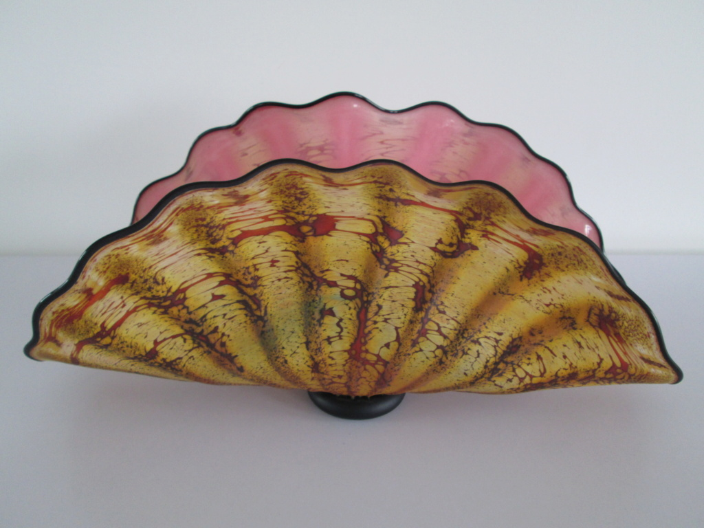 GLASS CLAM SHELL VASE SIGNED CB 2006 IN THE STYLE OF DALE CHIHULY SEAFORM Img_2910