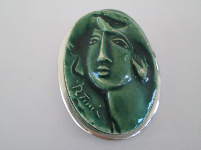 Pottery Art Brooch Ladies Head FRENCH / ITALIAN SIGNED P TUICI  Img_9010