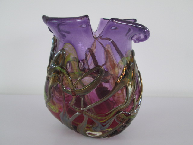 Studio Art Purple Glass Vase with Iridescent Trails Signed ANLUGLA ONLAGULA Img_9312