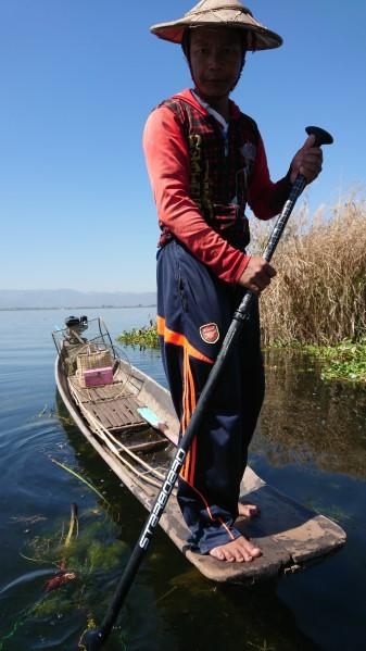 Session SUP avec les pêcheurs du lac Inle de Birmanie Dsc_0113