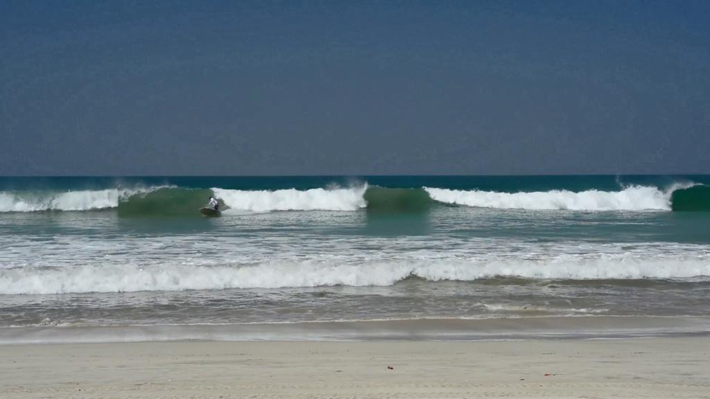 Début de la nouvelle saison surf en Birmanie Vlcsna17