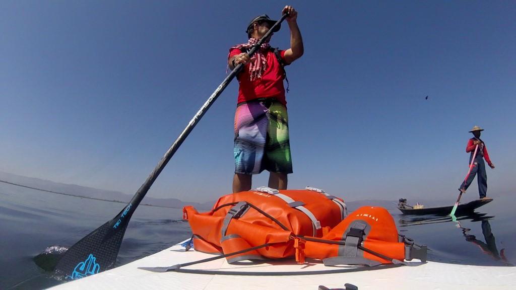 Session SUP avec les pêcheurs du lac Inle de Birmanie Vlcsna19