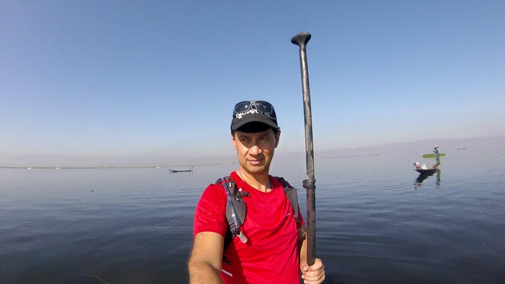 Session SUP avec les pêcheurs du lac Inle de Birmanie Vlcsna22
