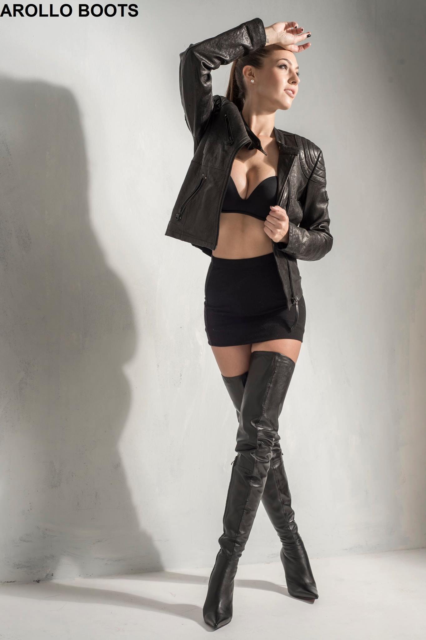 Arollo Leather Heeled Boots Isabel13