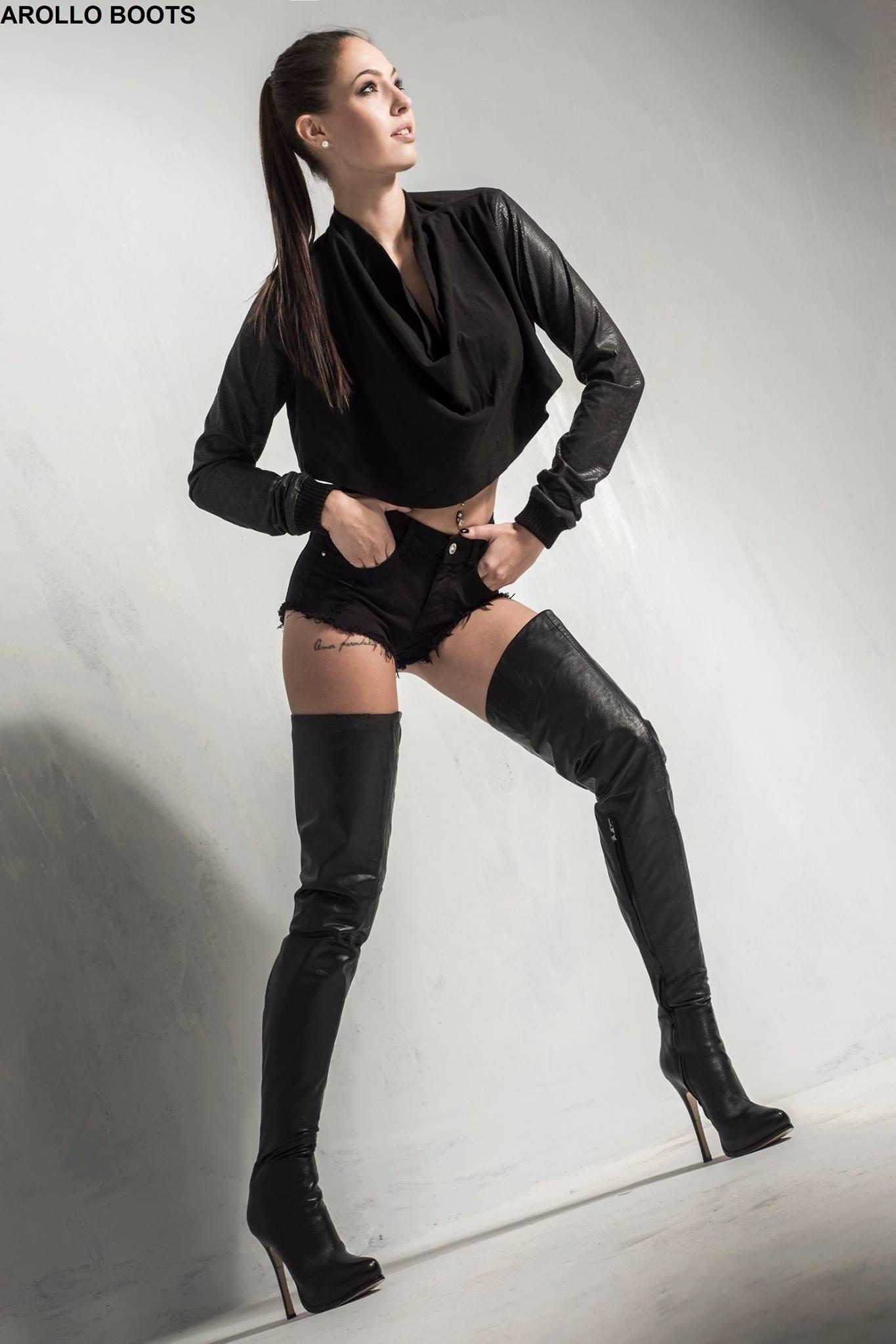 Arollo Leather Heeled Boots Julie_10