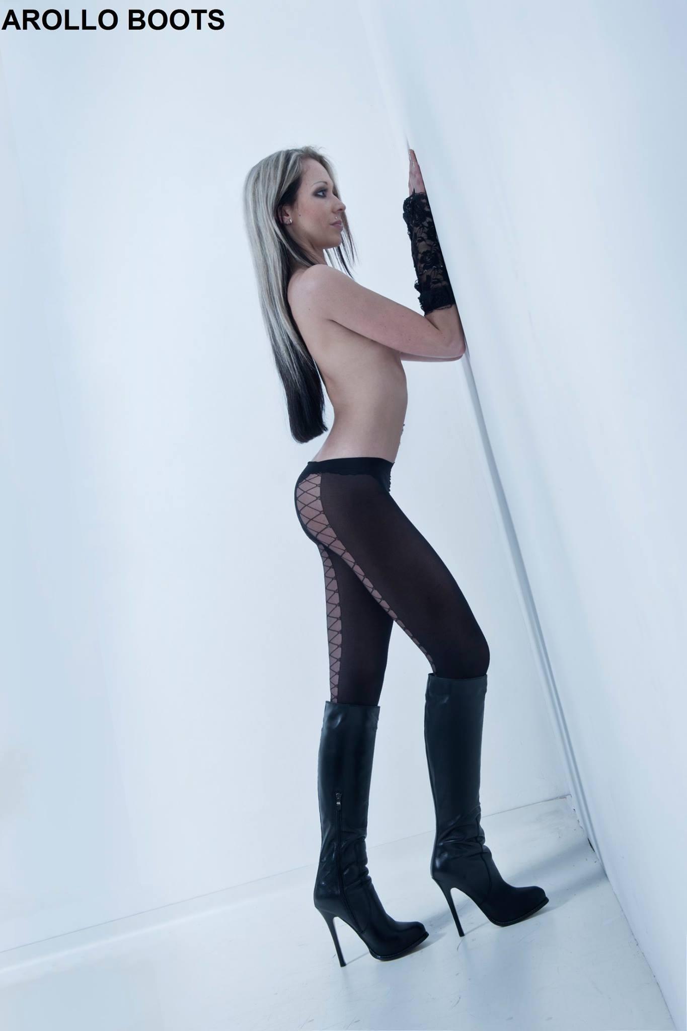 Arollo Leather Heeled Boots Sandra15