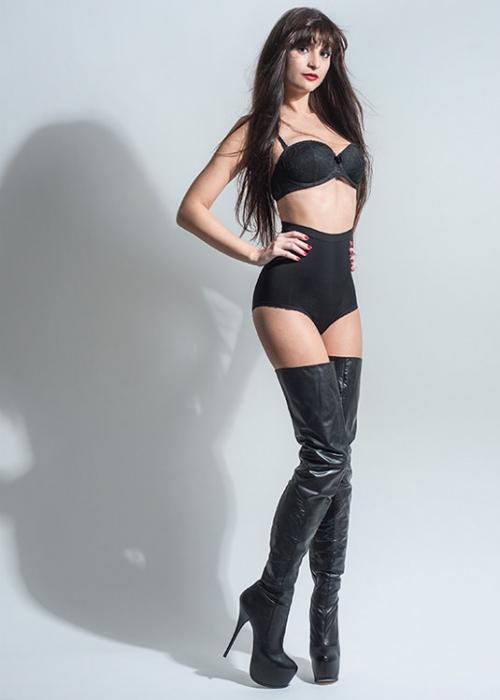 Arollo Leather Heeled Boots Vaness10