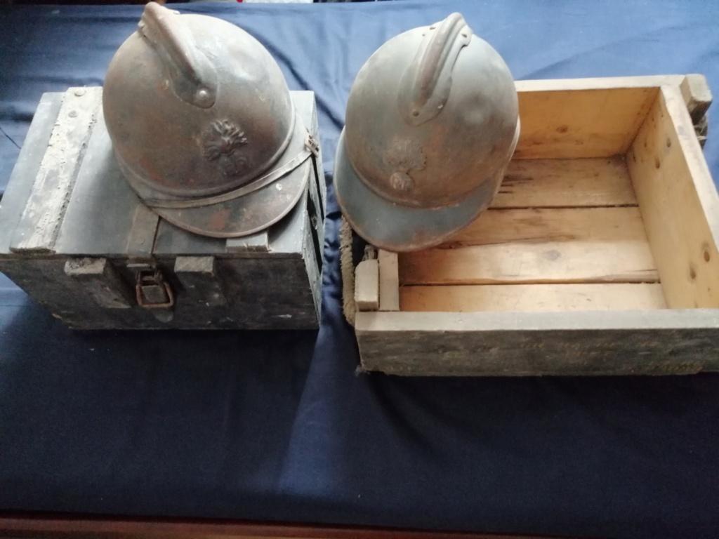 2 casques Adrian + 2 caisses militaire dans les petites annonces  Img_2027