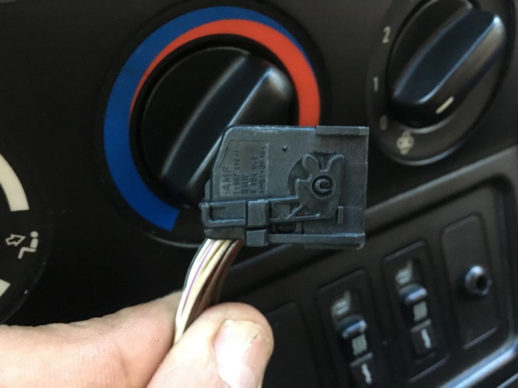 [ BMW Z3 1.9 M44 an 1996 ] problème de centralisation Img_0211