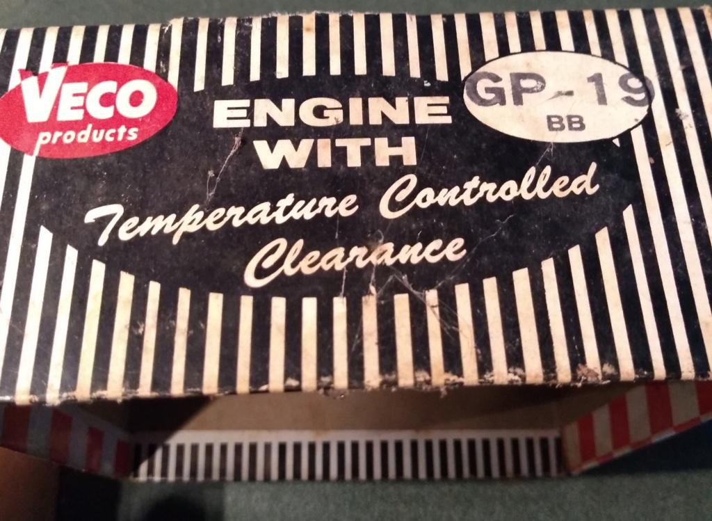 Various Cox Engines In VECO GP -19 Box Veco_b14