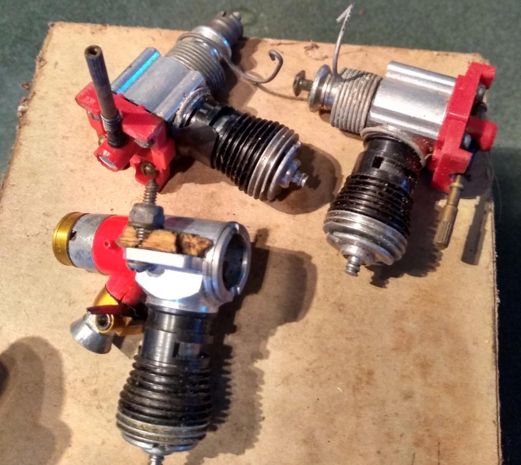 Various Cox Engines In VECO GP -19 Box Veco_p12