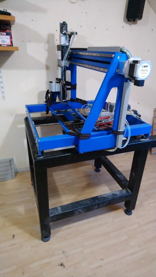 Et un nouveau débutant en CNC de plus Pfe50010
